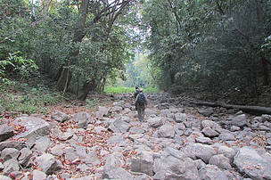 Walking along the Ou Kanhchas (river) in PPWS