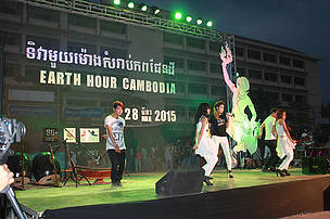 Famous singer performed at the Earth Hour Cambodia 2015 event