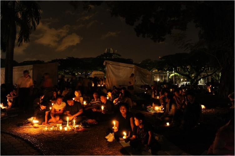 C Jacky Ho Residents celebraing with candlelit birthday celebrations