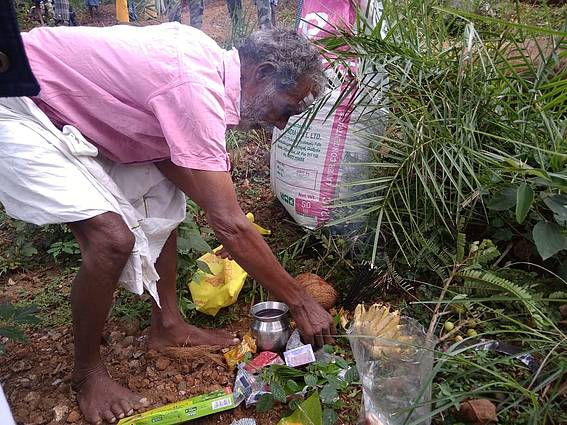 A small ritual in reverence of the Vanadevata (forest God), is usually performed before collecting small forest produce like honey or tubers.