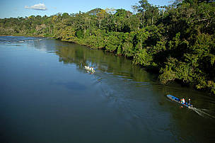 Descent of the Juruena River by boat